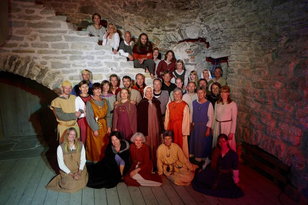 Gruppbild i Klosterlängan. Foto: Roland Hejdström